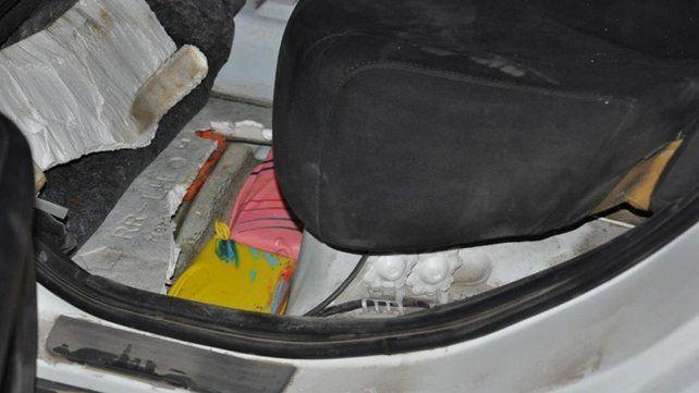 Secuestraron más de 100 kilos de marihuana oculta en un auto