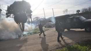 Aparecieron las fotos de la represión policial antes del discurso de Macri
