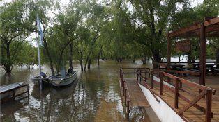Bajo agua. El río avanzó sobre todo el sector de uso público y se mantuvo hasta mayo.