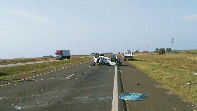 Un hombre con lesiones tras un vuelco en la Autovía 14