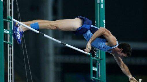 Chiaraviglio clasificó a la final de salto con garrocha en Río