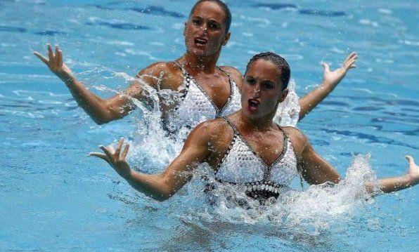 Las mellizas Sánchez fueron 19nas. en nado sincronizado