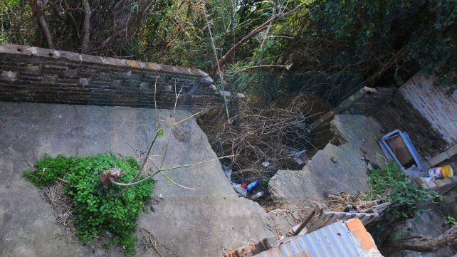 Partidas. En cada lluvia las viviendas sufren nuevas erosiones.