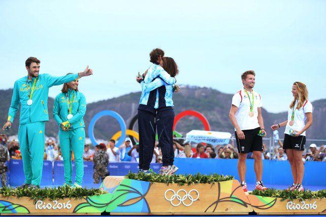 Otro oro para la Argentina: Santiago Lange y Cecilia Carranza, campeones olímpicos en yachting