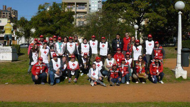 Voluntarios de Paraná. Asisten en emergencias