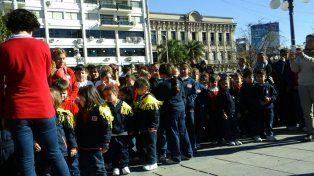 Alumnos del Instituto Sur homenajearon al general San Martín a 166 años de su fallecimiento