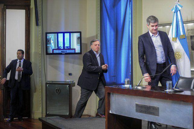 Aranguren y Peña dieron una conferencia de prensa esta tarde.