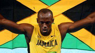 Bolt brilló en los 200 metros y agiganta su leyenda