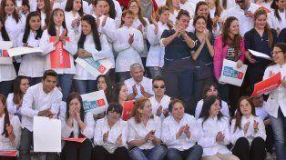 Voluntarios y alumnos. En la capital provincial se hicieron sentir.