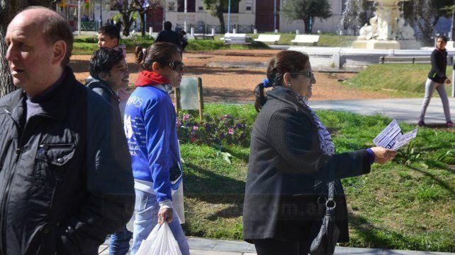 Adjudicatarios y preadjudicatarios de Vicoer protestaron en peatonal San Martín
