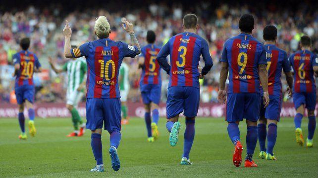 Barcelona apabulló a Betis, con un festival de goles y un Messi iluminado