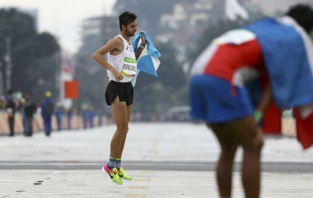 La llegada de Federico Bruno a la meta del maratón. Foto Lucy Nicholson