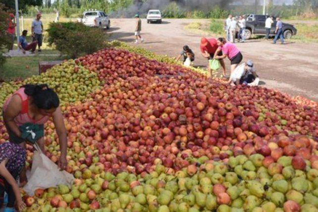 Productores regalarán 10.000 kilos de fruta en Plaza de Mayo