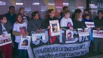 familiares de la tragedia de once: no nos temblara la voz para denunciar