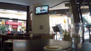 El café chico en un bar de Paraná ronda los 27 pesos. Foto UNO Juan Manuel Kunzi.
