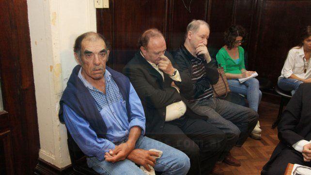 Bioletti (en el medio) fue condenado por haber prestado un campo de su propiedad para instalar una cocina de cocaína.