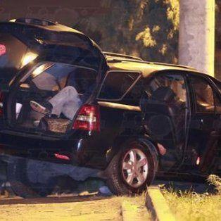 Un cirujano plástico y su pareja aparecieron asesinados dentro de su auto