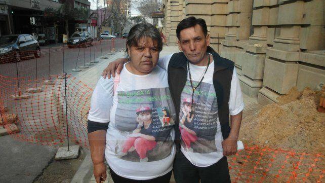 Los padres de Josefina López piden justicia.