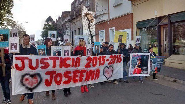 Familiares y amigos de Josefina López piden justicia.