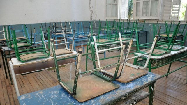 Aulas vacías. Se espera una marcada inactividad en escuelas públicas y privadas de la provincia.