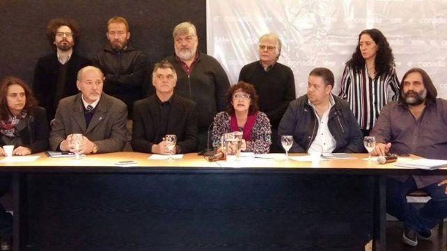 Cúpula. Los sindicalistas dieron una conferencia de prensa.