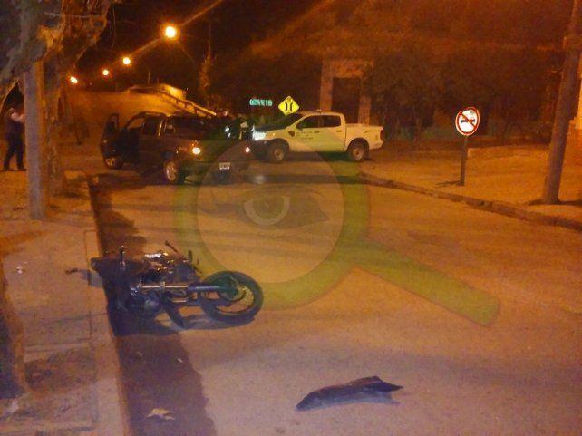 Un joven bombero falleció tras accidentarse con su moto