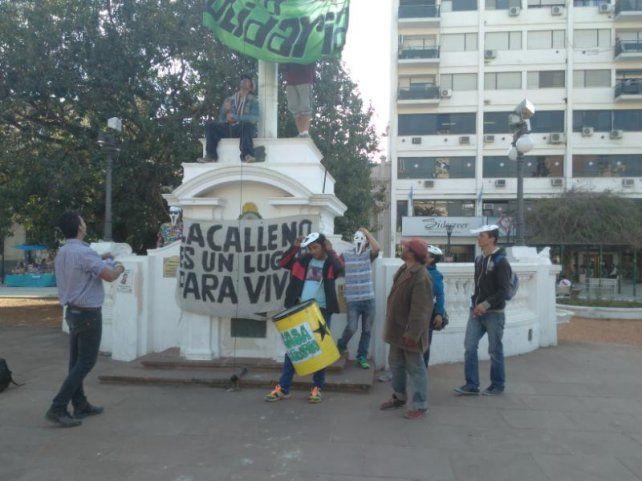 Personas en situación de calle protestaron contra el maltrato policial en Paraná