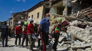 Ascienden a 159 los muertos en el devastador terremoto del centro de Italia