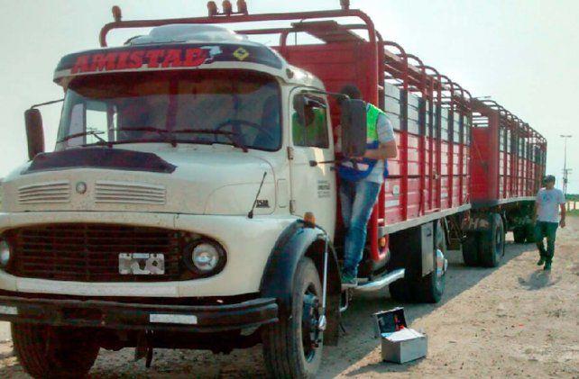 El camión fue abandonado y encontrado horas después del asalto
