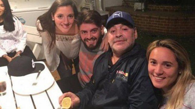 ¿Qué costoso regalo le hizo Diego Maradona a su hijo Diego Junior cuando se encontraron?