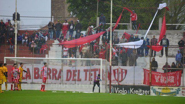 El Decano debutó con una derota ante Flandria como local