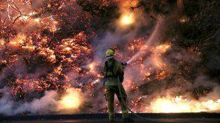 El fuego está latente en San Luis y se dirige al norte de la sierra por el viento