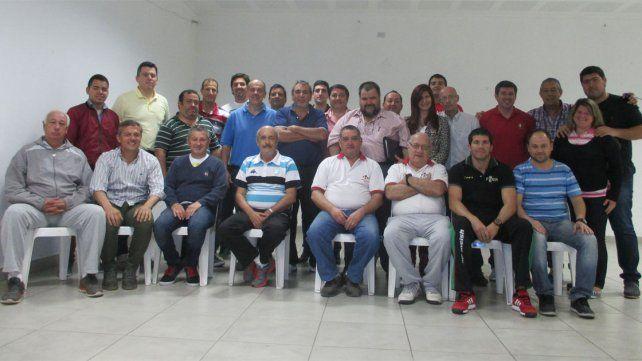 Posan los participantes del encuentro que se desarrolló el sábado en la sede Agmer en Villaguay.