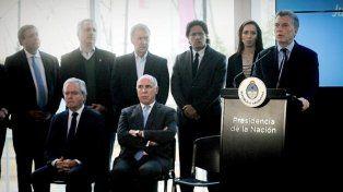 Macri con representantes del poder judicial y la oposición. Foto Télam.