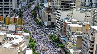 Multitudinaria marcha opositora en Venezuela
