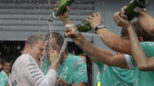 Rosberg sumó otro triunfo y se acercó a Hamilton en el campeonato de Fórmula 1