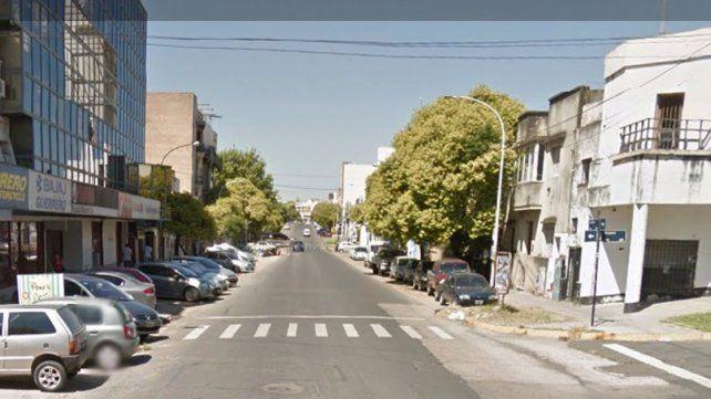 Maniataron a dos ancianos en pleno centro de Paraná y les robaron fuerte suma de dinero