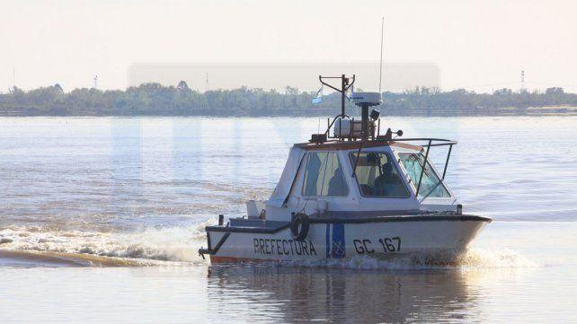 La Prefectura desplegó el operativo con el apoyo de un helicóptero perteneciente a la fuerza de seguridad.