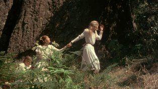 Misterio. Mañana proyectarán el filme de misterio Picnic en las Rocas Colgantes.