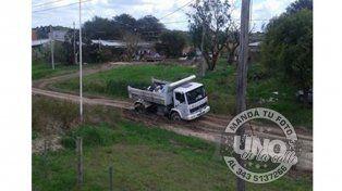 El 26 de agosto quedó empantanado un camión de residuos. Luego no entraron más.
