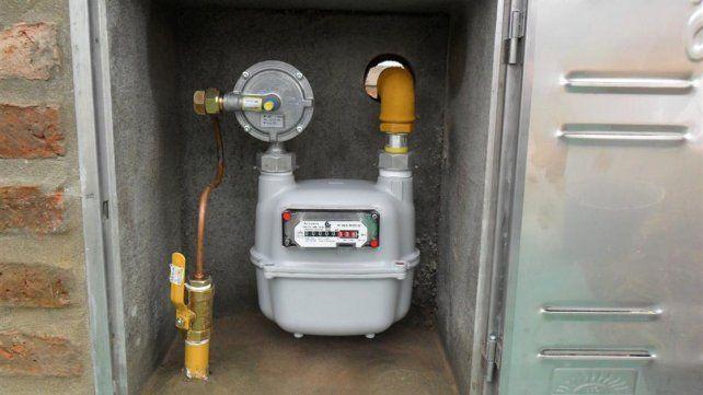 Aranguren dijo que la suba de 203% en la tarifa de gas beneficiará al 40% de los pobres que no acceden a redes