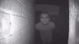 Un hombre desapareció después de publicar una foto de un extraño que rondaba por su casa