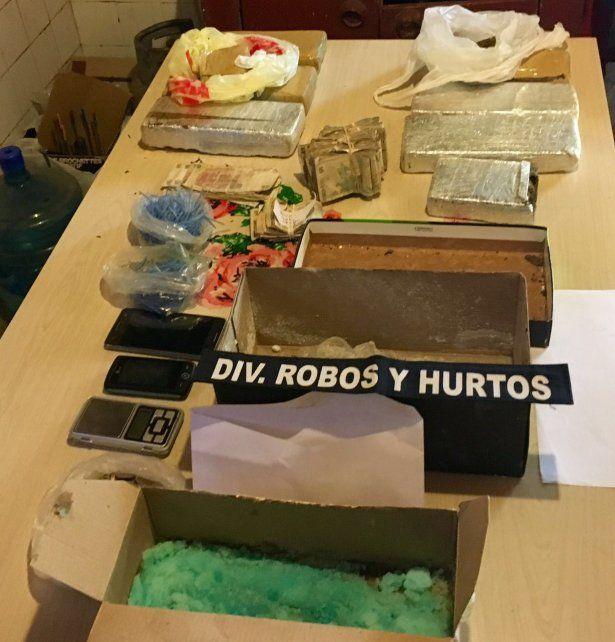 Dos detenidos tras un allanamiento donde hallaron 7 kilos de marihuana