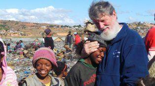 Esta es la historia de Pedro Opeka, el argentino que puede salvar al mundo