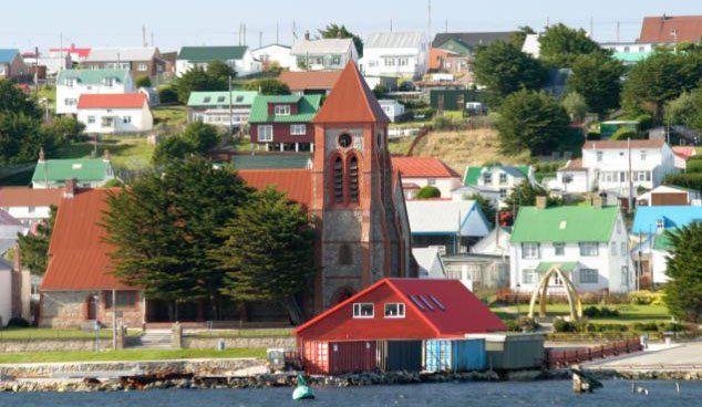 Habría acuerdo para restablecer vuelos con Malvinas y avanzar en el diálogo por el petróleo
