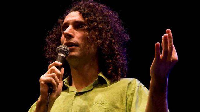 Visitantes. Los comediantes Agustina Aguilar (Bs. As.) y Camilo Orlando (Rosario).