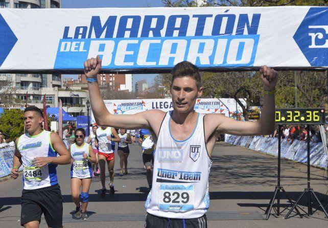 Alexis Unreinel ganador de los 10K. Foto UNO Mateo Oviedo.