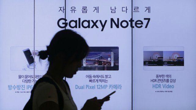 Samsung pidió que dejen de utilizarse los teléfonos Galaxy Note 7 cuyas baterías pueden explotar