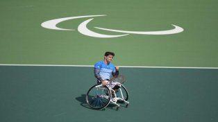 Gustavo Fernández debutó con una victoria en tenis sobre silla de ruedas
