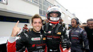 El piloto paranaense festejó en la zona de boxes con su compañero.